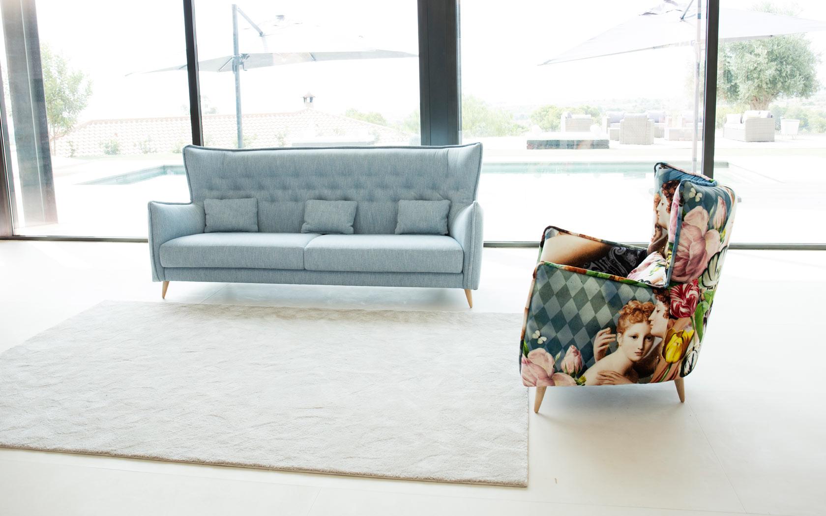 Simone-sofa-azul-fama-2019-1