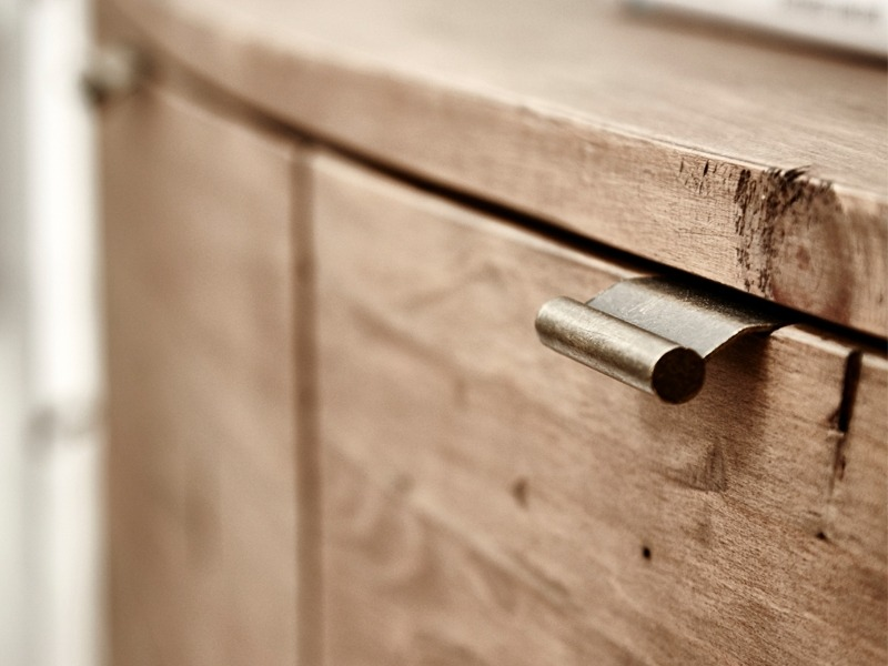 bermuda-reclaimed-bedroom-furniture-range-drawer-detail-1520526564
