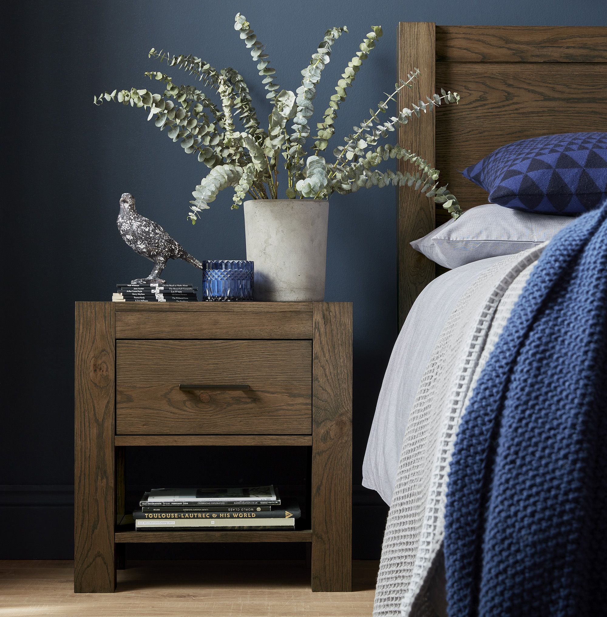 lille dark nightstand