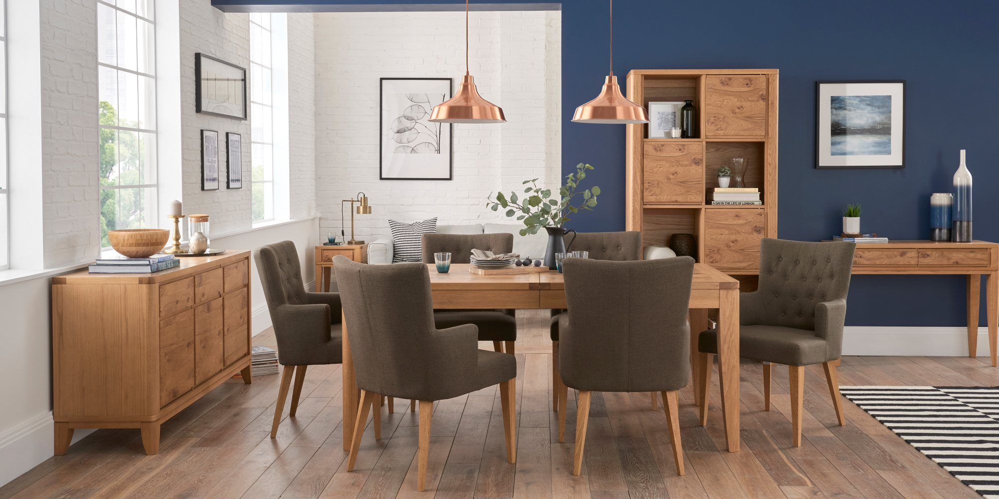WILLOW PARK DINING SET WITH UPH ARM CHAIRS L180cm EXTENDING TO L230cm