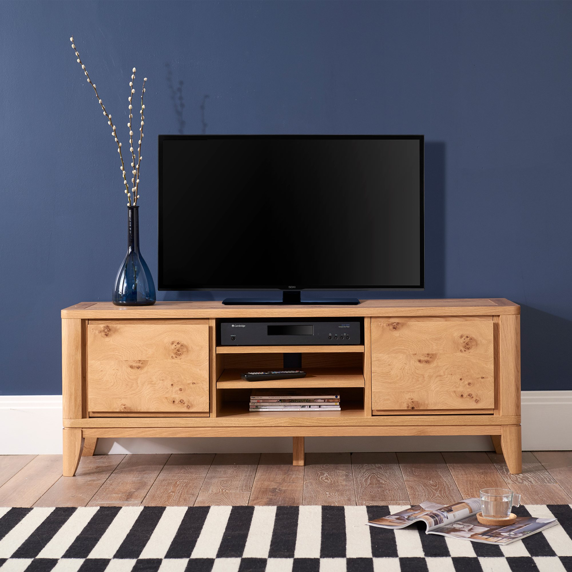 WILLOW PARK TV UNIT - L142cm x D40cm x H51cm