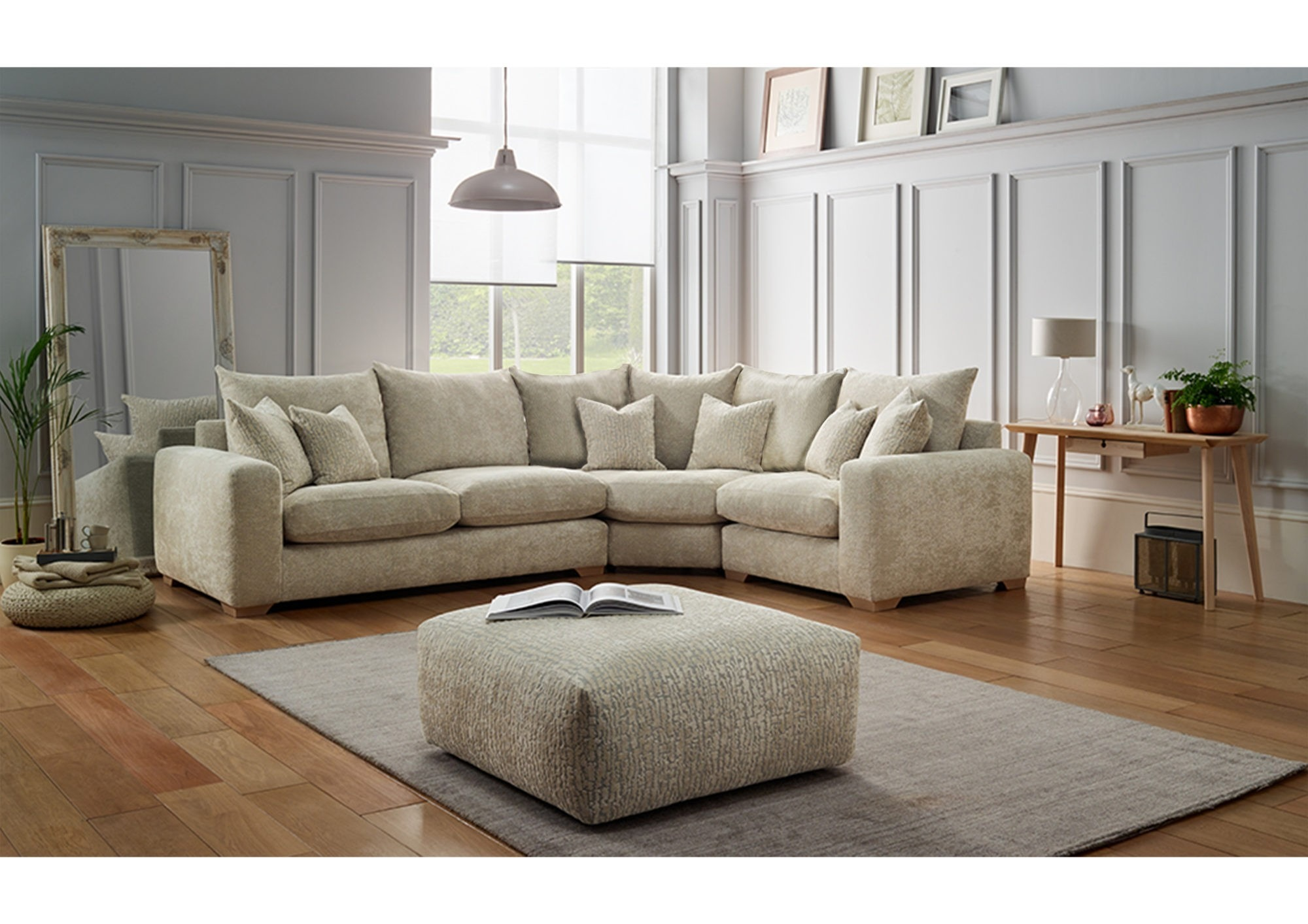 RICHMOND LARGE CORNER SOFA - L320cm x D246cm x H97cm