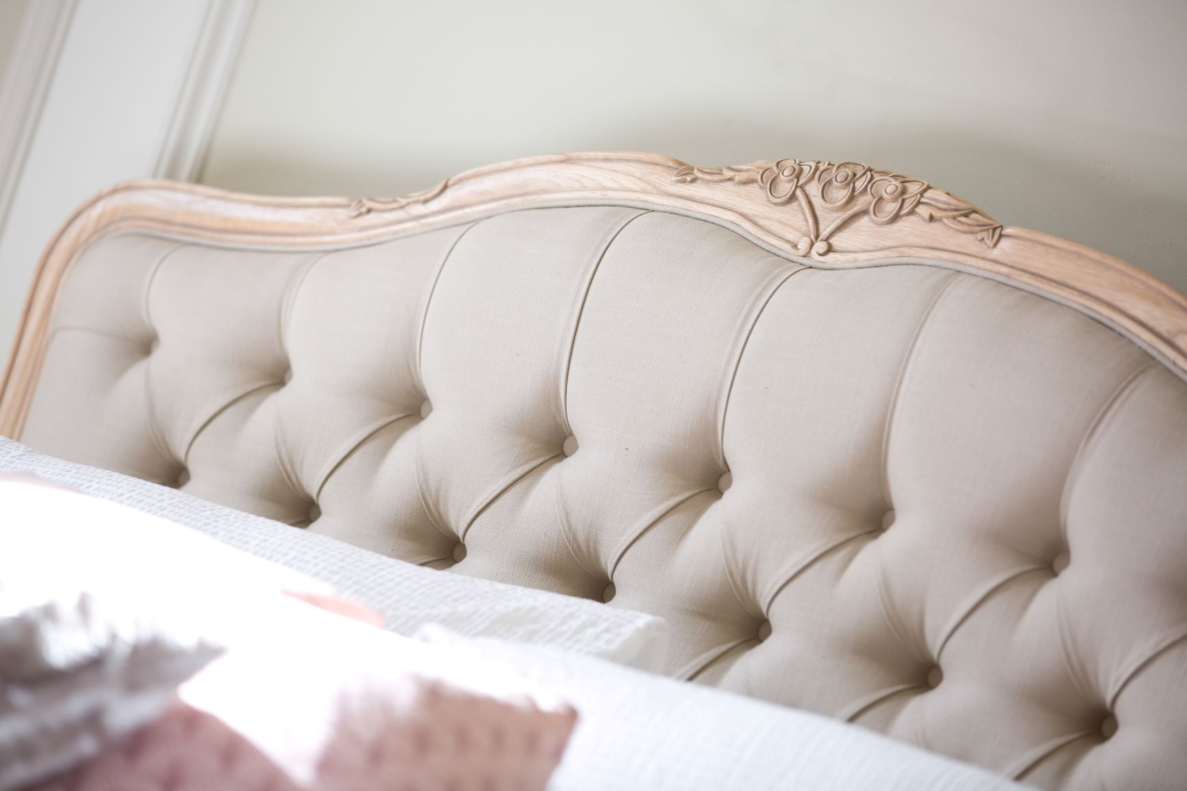 CLAREMONT BEDFRAME - BUTTON HEADBOARD DETAIL