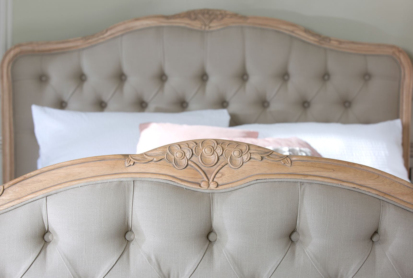 CLAREMONT BEDFRAME - END DETAIL
