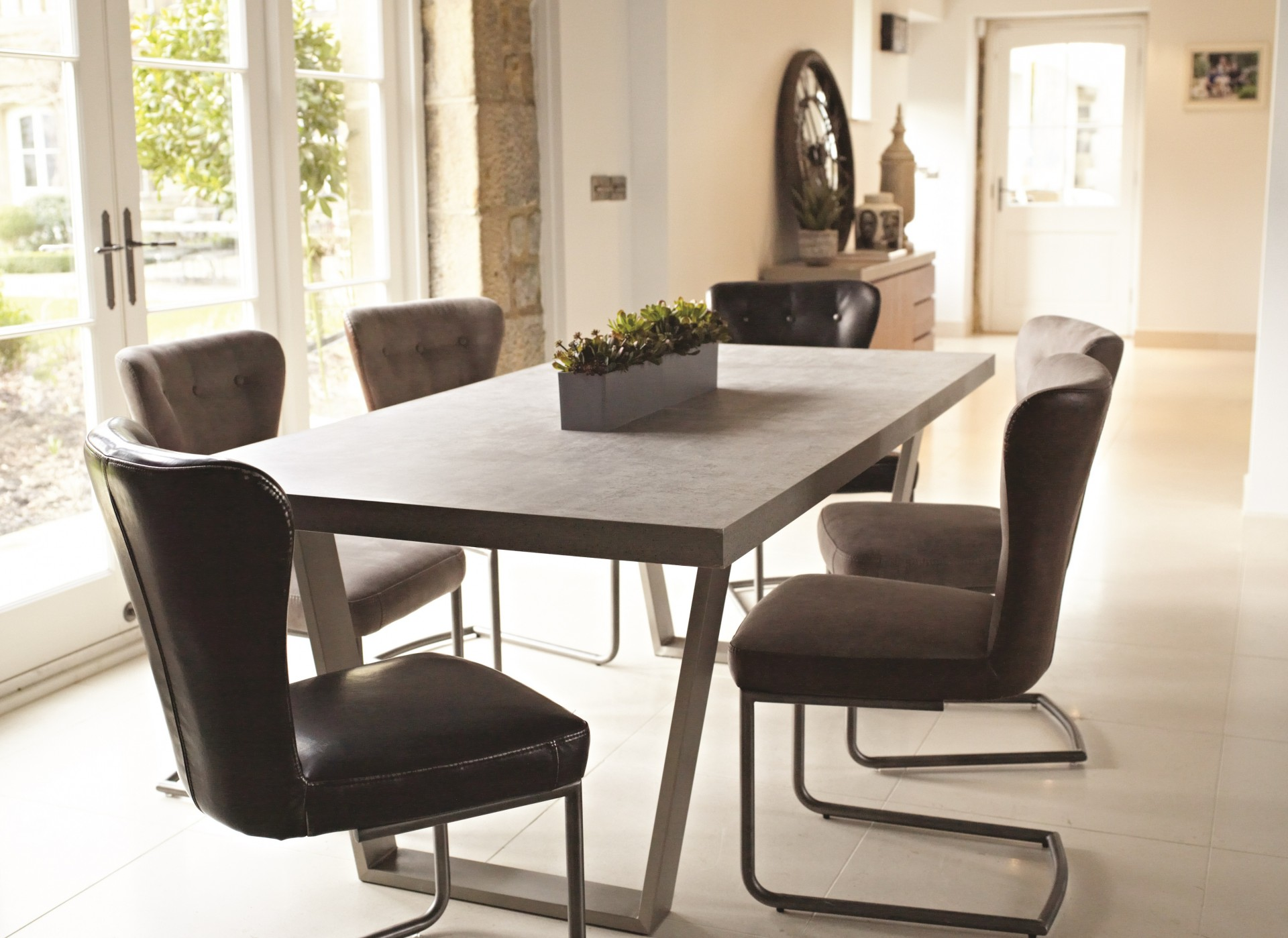 CONCRETE LOOK DINING SET