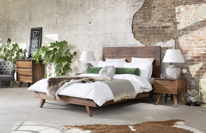 CORMAR OAK BEDROOM SET