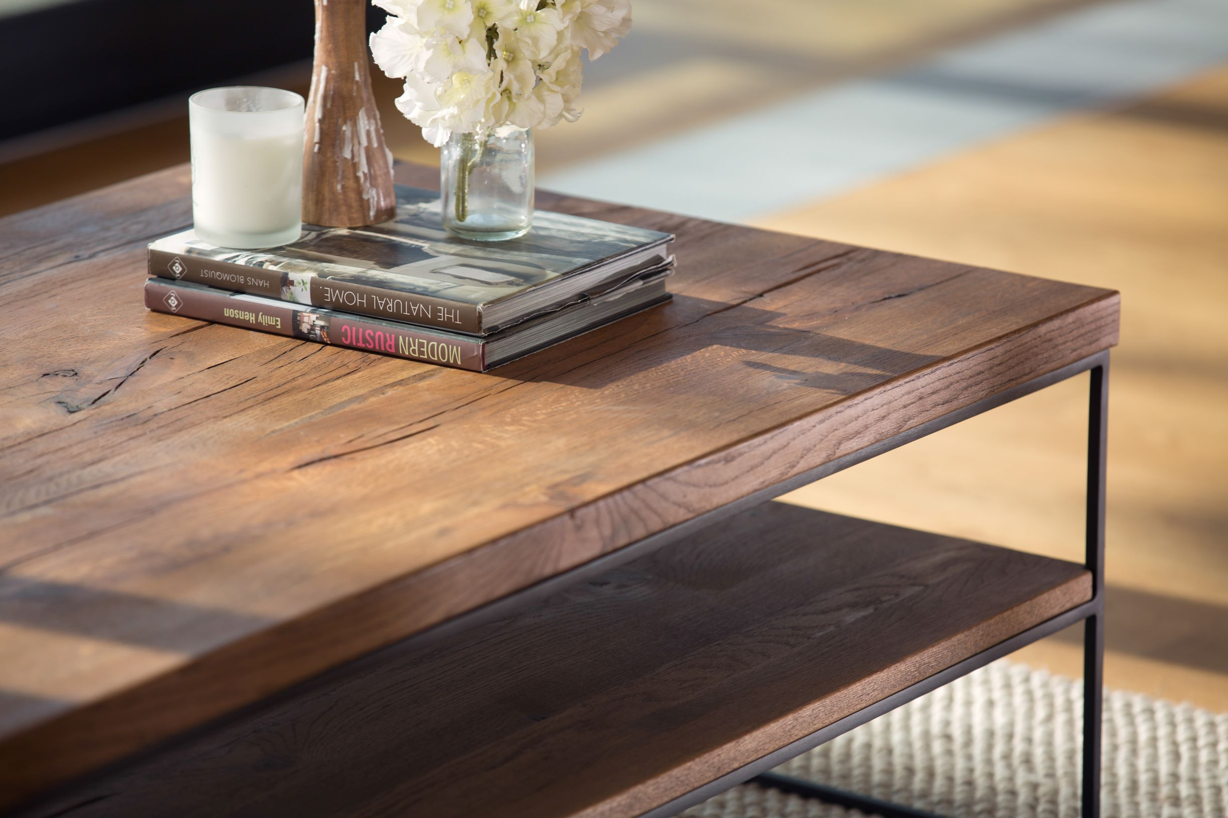 CORMAR OILED OAK COFFEE TABLE - SHELF DETAIL