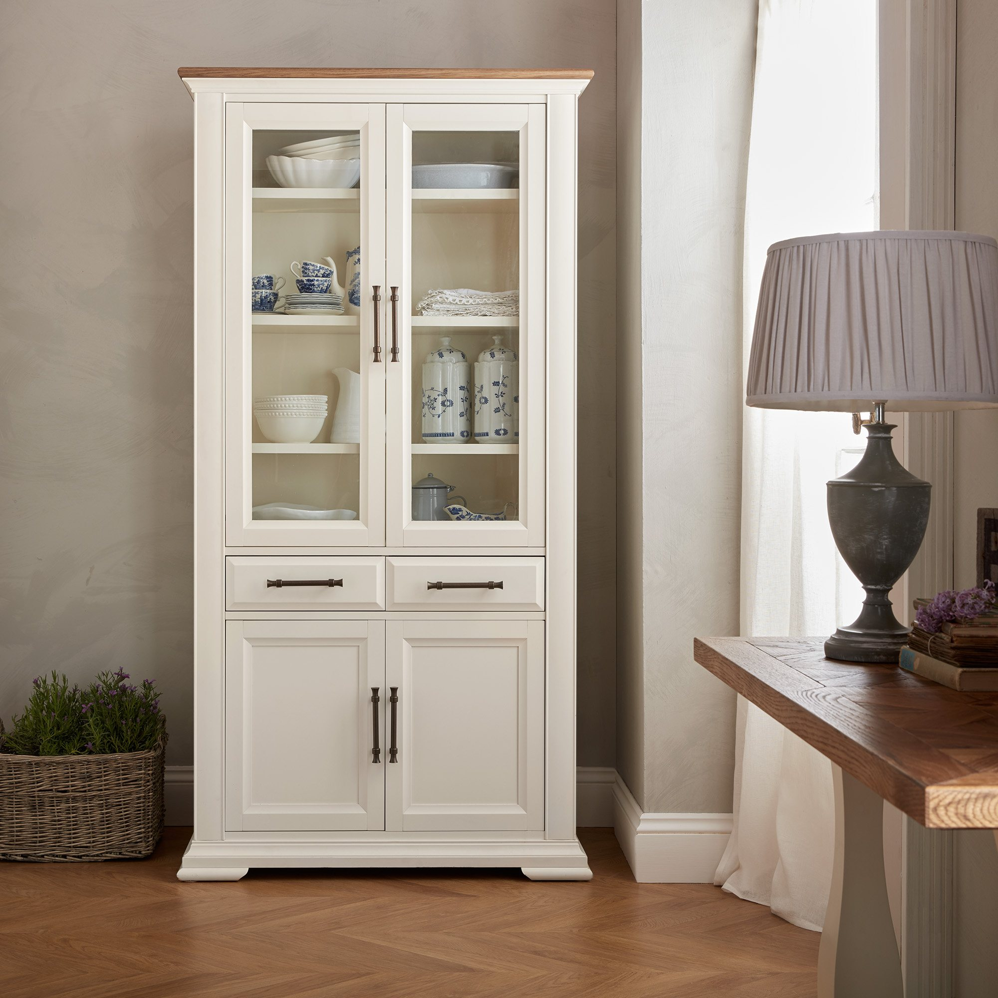 HIGHLAND DISPLAY CABINET - L102cm x D39cm x H200cm