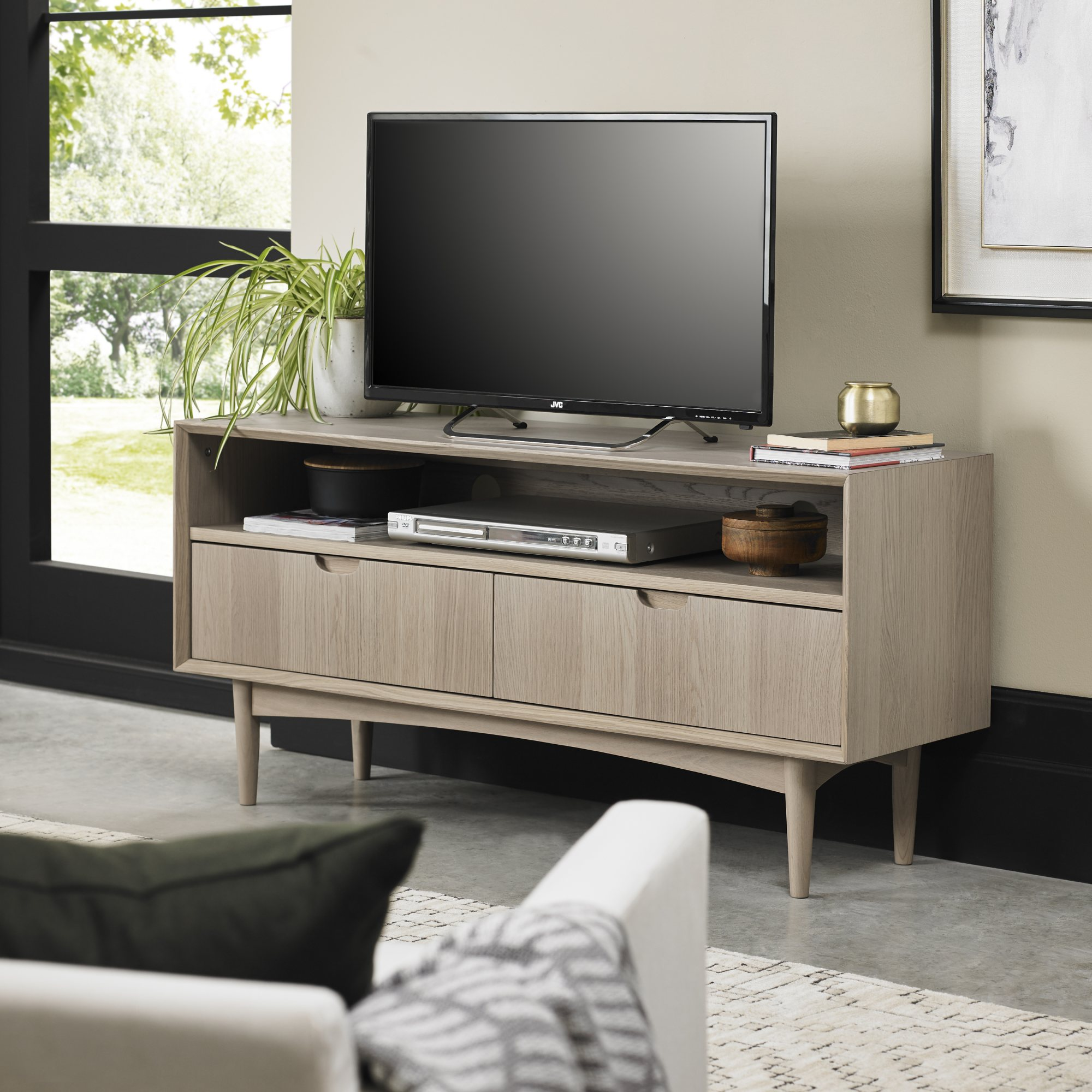 RETRO OAK TV UNIT   L122cm x D37cm x H59cm