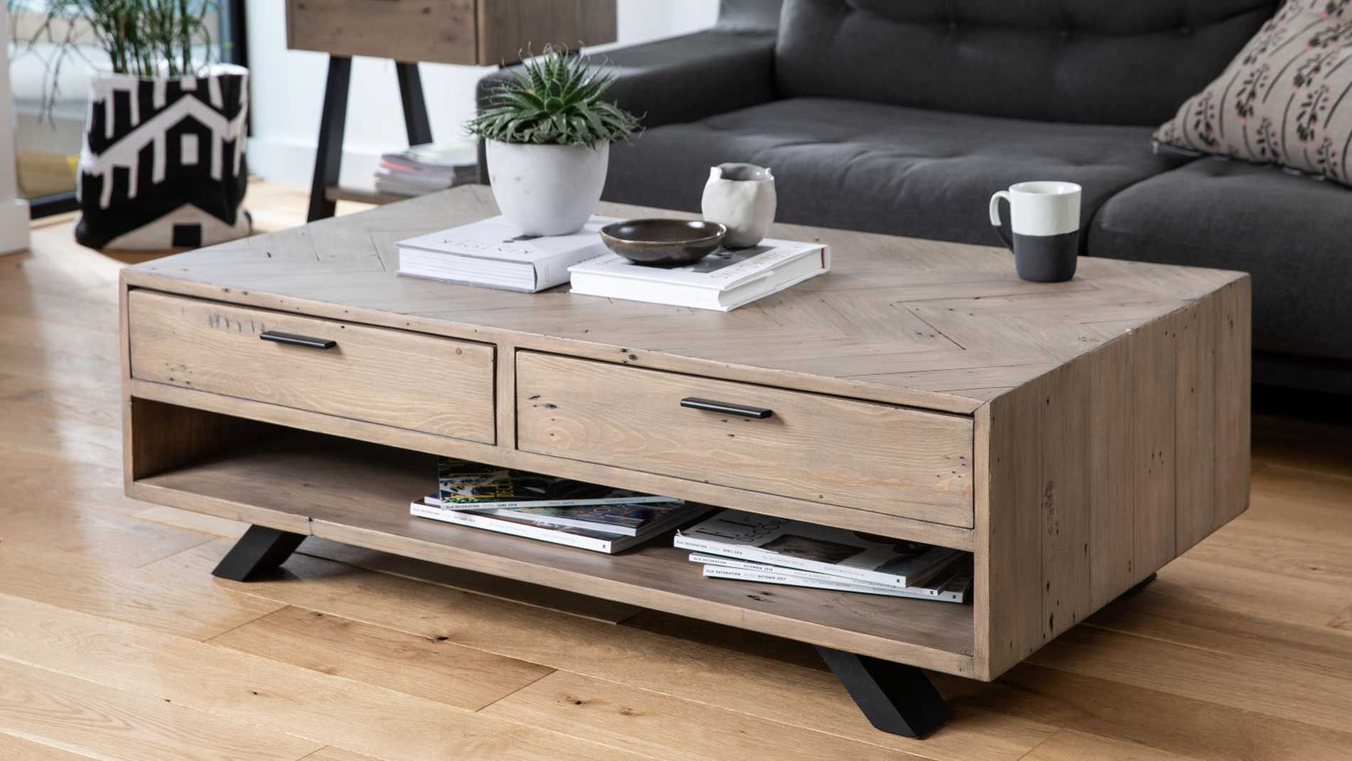 SAFARI COFFEE TABLE - L120cm x D70cm x H40cm