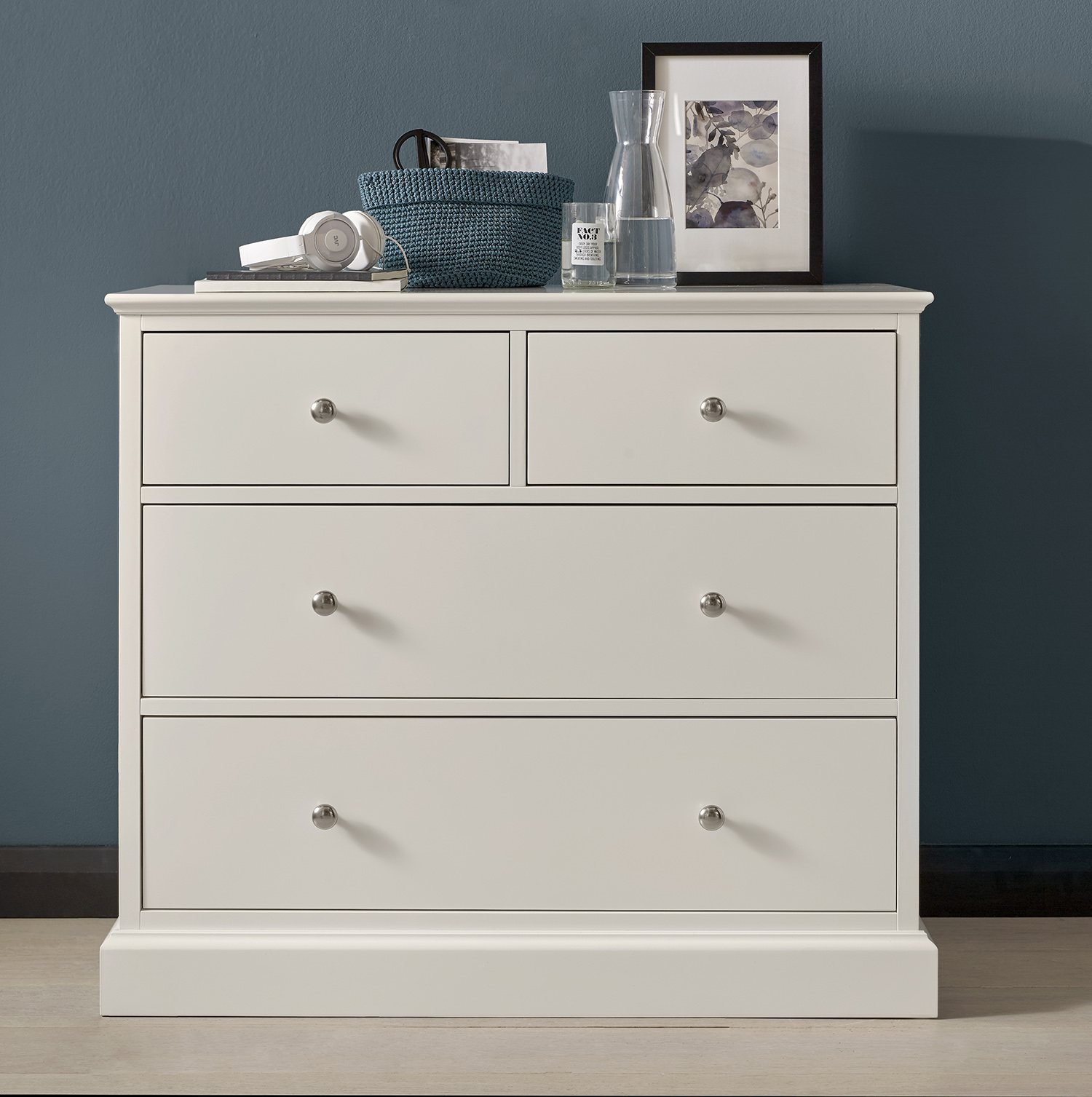ASHLEY WHITE SMALL CHEST L98cm x D47cm x H87cm