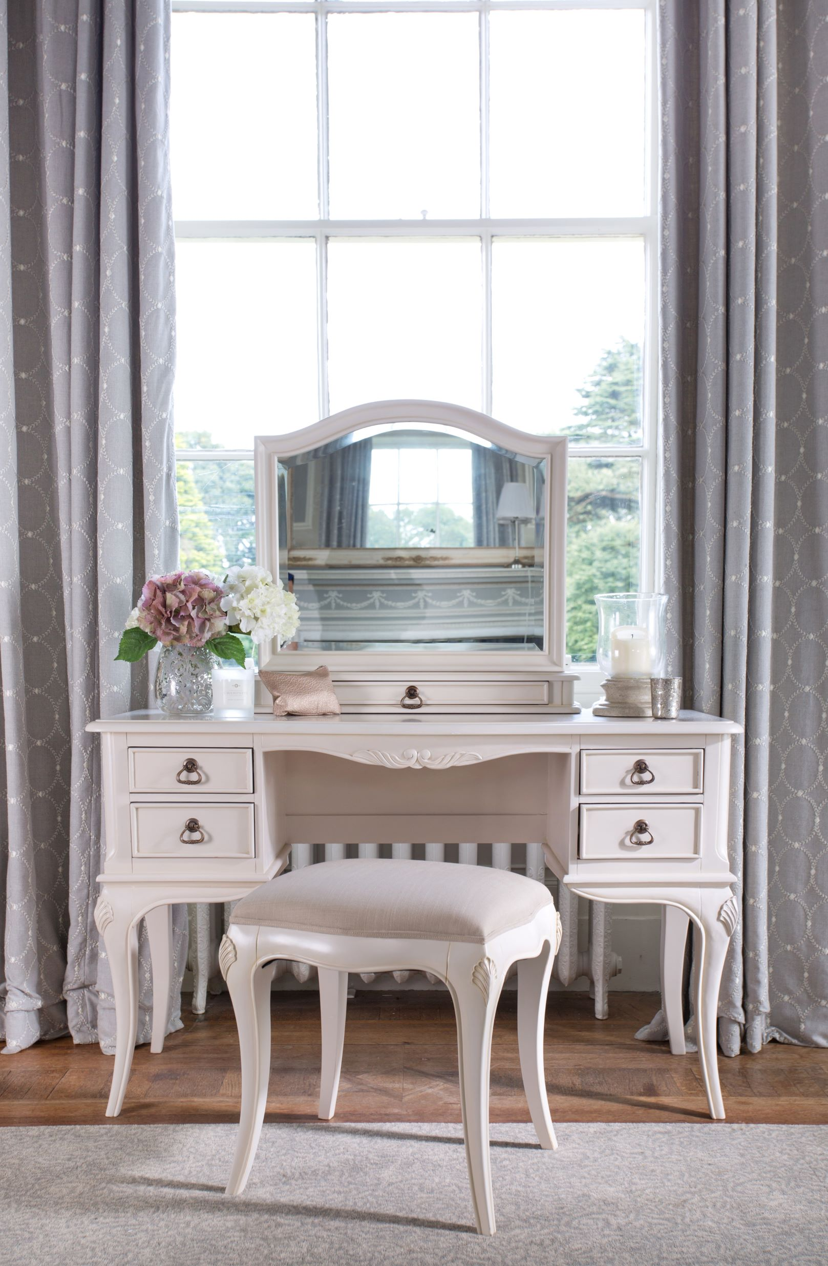 CHATEAU DRESSING TABLE - L120cm x D50cm x H141cm