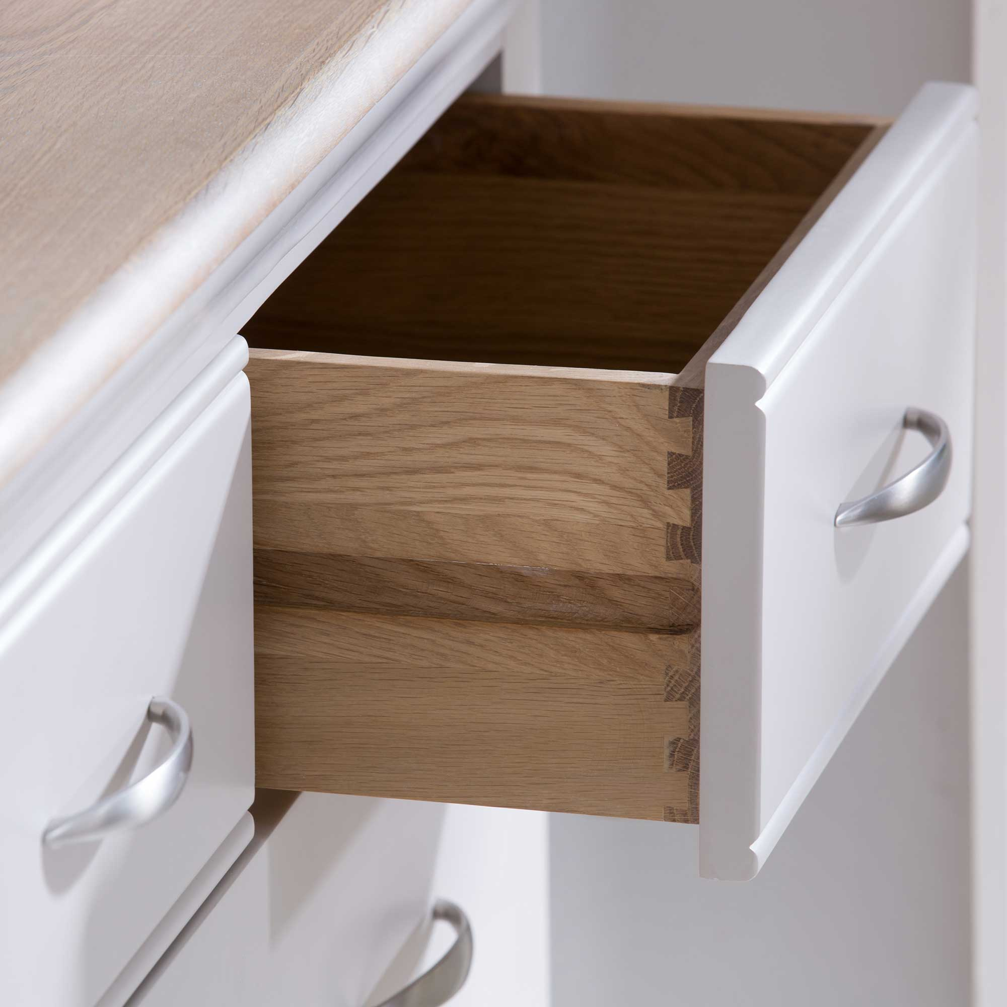 DOVETAIL DRAWER DETAIL..