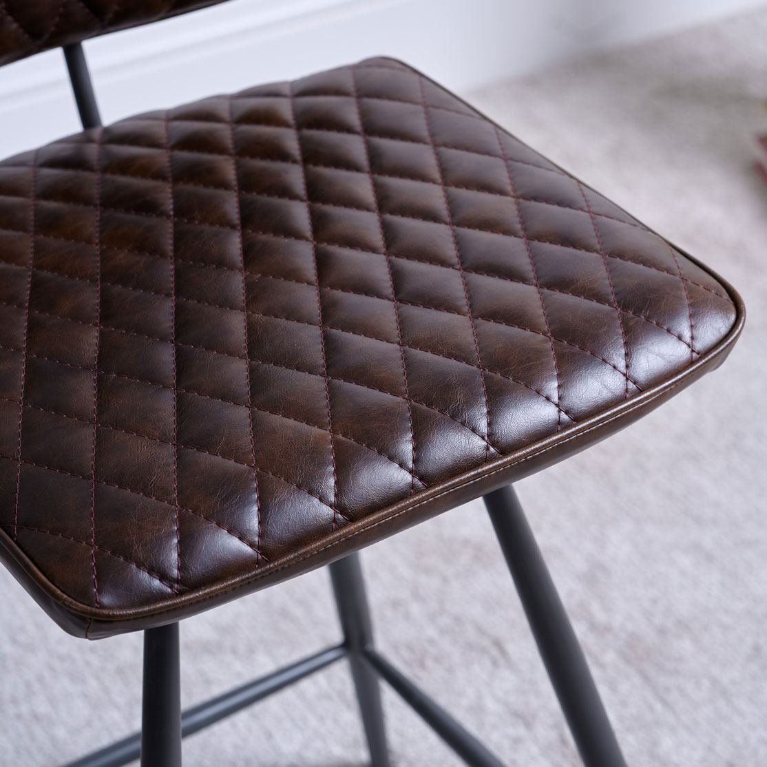 NEMOX BROWN STOOL - SEAT DETAIL