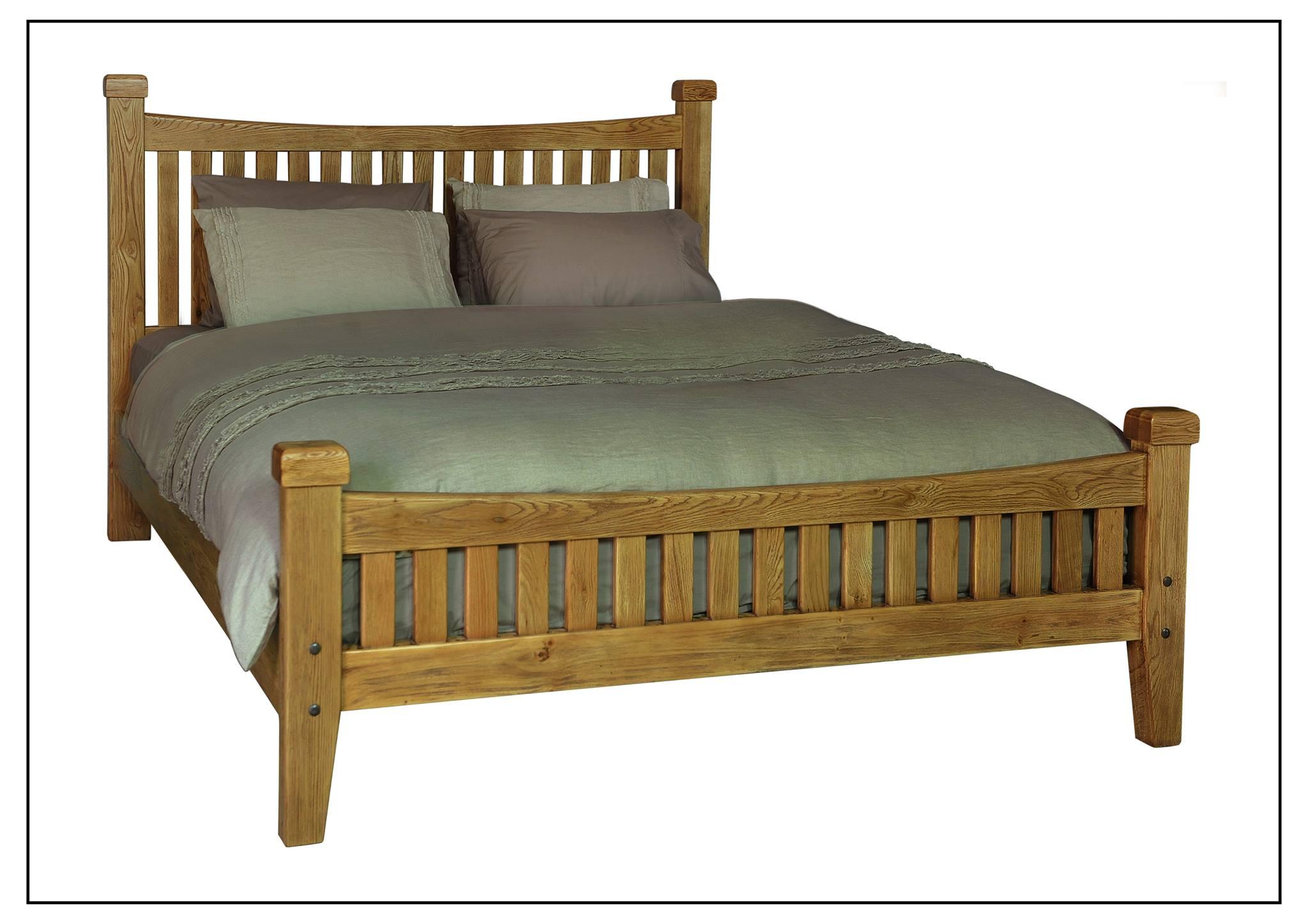 Rustic oak bedframe front detail